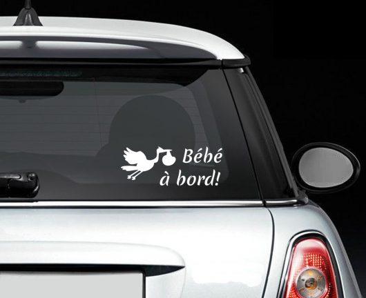 Sticker bébé à bord cigogne